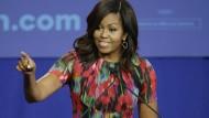 Vorbild für die Afroamerikaner, und viel beliebter als Hillary: Michelle Obama