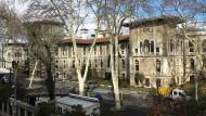 Bald mit Weihnachtsbaum? Die Lisesi-Schule in Istanbul