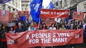 Labour hält sich Option auf zweites Referendum offen