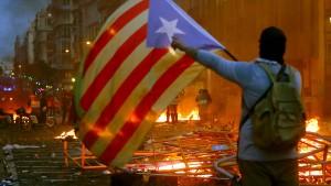 Gewalt bei Protesten in Barcelona eskaliert