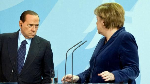 Deutsch-Italienische Regierungskonsultationen - Bundeskanzlerin Angela Merkel empfängt den italienischen Ministerpräsidenten Silvio Berlusconi im Bundeskanzleramt in Berlin zu bilateralen Gesprächen.