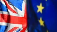 Der Weg aus der Europäischen Union ist lang. Neun Bilder zeigen die wichtigsten Stationen der Briten auf ihrem Brexit-Kurs, der nicht immer gradlinig verläuft.