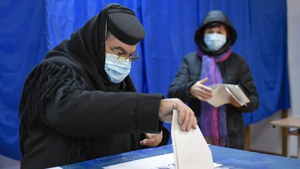 Enge Parlamentswahl in Rumänien