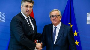 Juncker verzögert Einigung in Grenzstreit