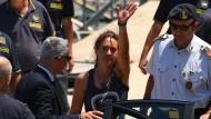 Carola Rackete bei ihrer Festnahme im Juli in Porto Empedocle
