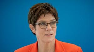 CDU-Vorstand befürwortet Frauenquote
