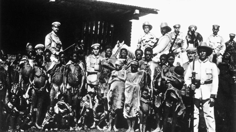 Bildergebnis für kolonialismus afrika Peitsche