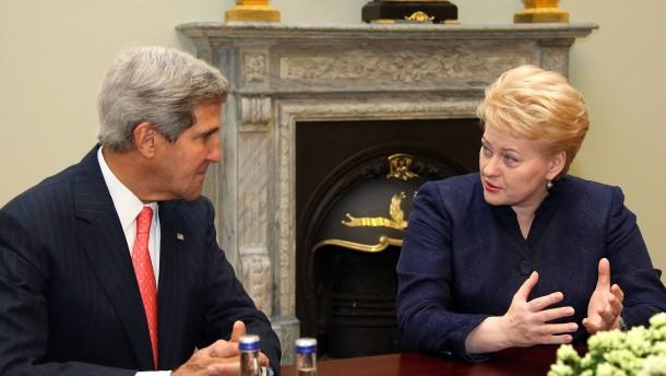 John Kerry, Dalia Grybauskaite,