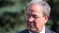 Der nordrhein-westfälische Ministerpräsident Armin Laschet (CDU) Ende Juli in Warschau