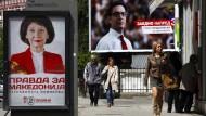 Die beiden Kandidaten der großen Parteien für die Präsidentenwahl in Nordmazedonien sind sich nur auf Plakaten in der Hauptstadt Skopje nahe.
