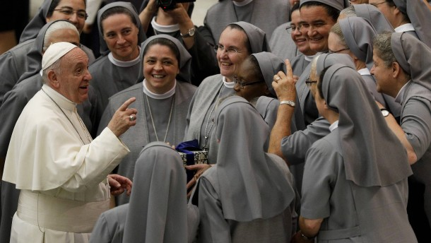 Weicht der Papst einer Entscheidung aus?