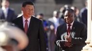 Für jeden fällt etwas ab: Xi und Ramaphosa am Dienstag in Pretoria.