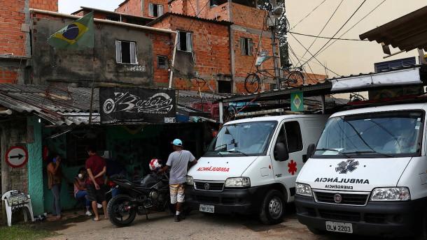 In der Favela kann man nicht zu Hause bleiben