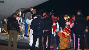 Italien holt Migranten mit Flugzeugen
