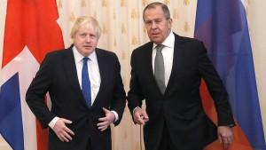 Johnson bietet Kreml Zusammenarbeit an