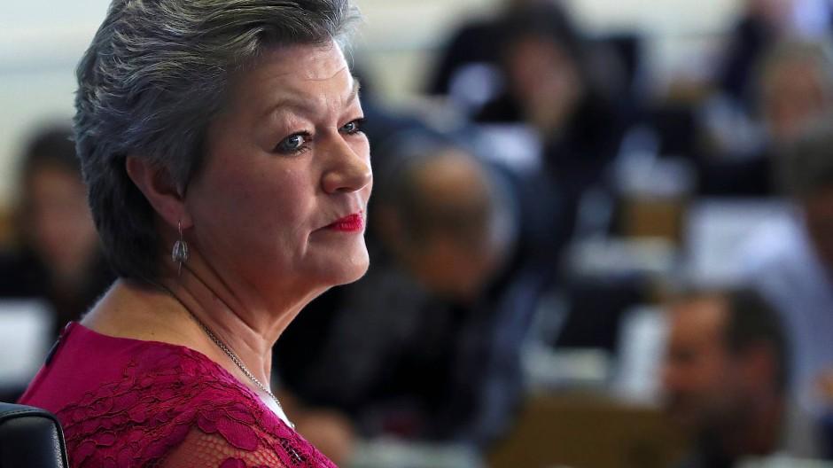 Die schwedische EU-Innenkommissarin Ylva Johansson in ihrer Anhörung vor dem Parlament