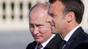 Macron und Putin wollen Bemühungen in Syrien abstimmen