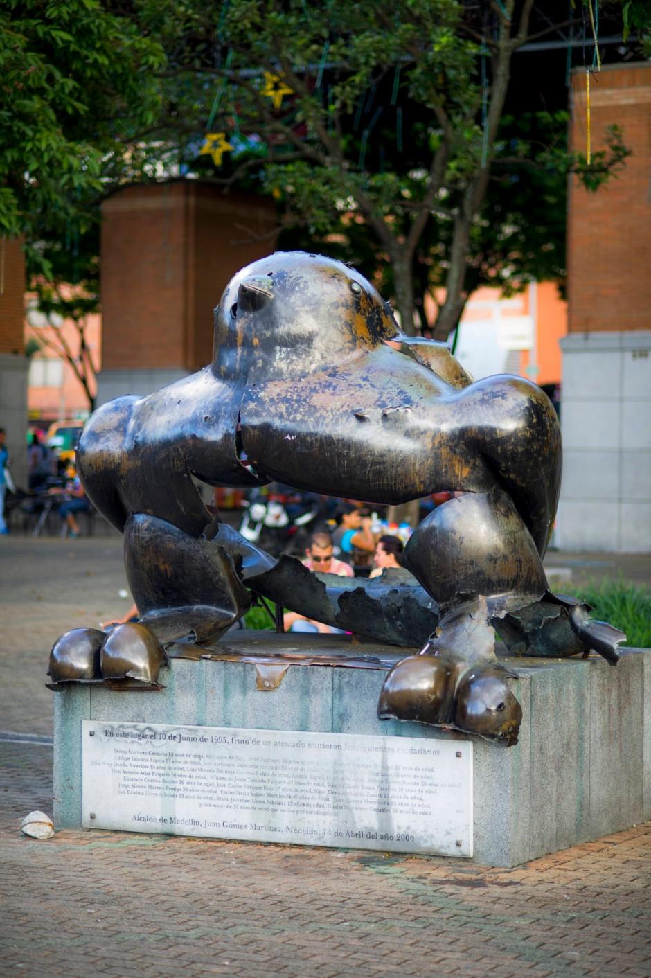 Die Friedenstaube: Die Skulptur von Fernando Botero wurde 1995 von Terroristen gesprengt. Zahlreiche Menschen wurden getötet