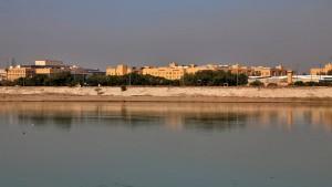 Bagdads Grüne Zone von Raketen getroffen