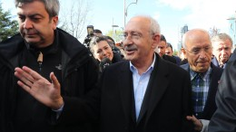 Sechs Festnahmen nach Faustschlag gegen Oppositionsführer