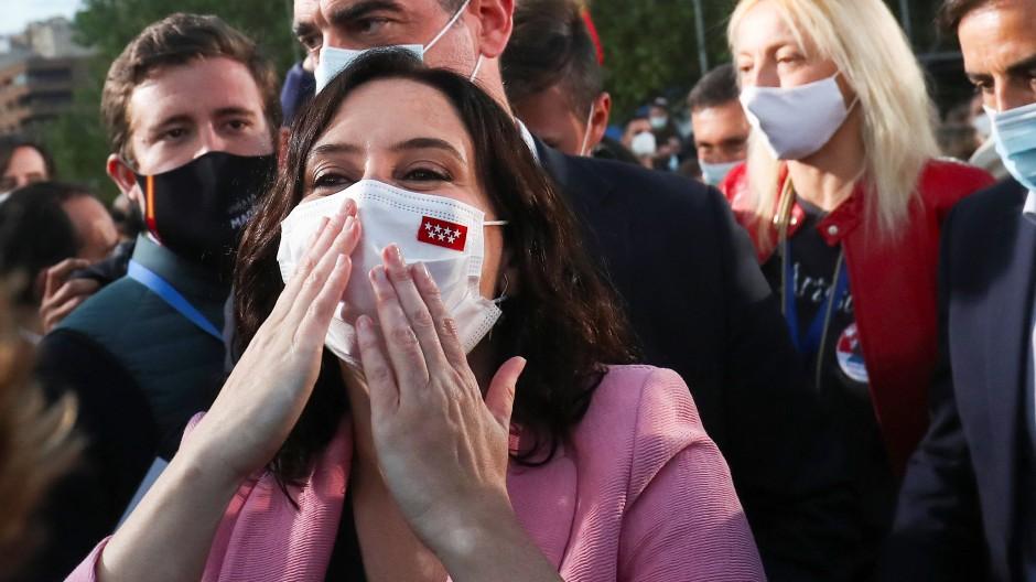 Erhielt eine klare Bestätigung im Amt: die konservative Regionalpräsidentin Isabel Díaz Ayu