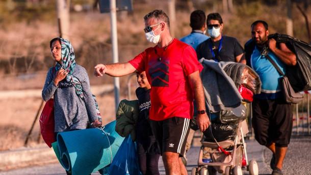 Merkel und Seehofer planen Aufnahme von rund 1500 Geflüchteten