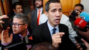 Weiterer Offizier stellt sich hinter Guaidó