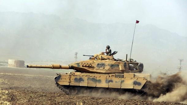 Marschiert die Türkei wieder in Syrien ein?