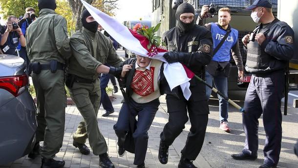 Hunderte Festnahmen bei Protesten in Belarus