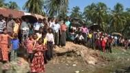 Nach den tagelangen Unruhen zwischen buddhistischen Rakhines und muslimischen Rohingyas herrschen weiter Spannungen zwischen den Volksgruppen.