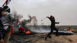 Tote und Hunderte Verletzte bei Zusammenstößen an der Grenze zu Gaza