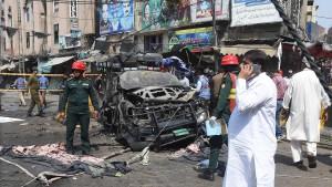 Selbstmordanschlag vor beliebtem Sufi-Schrein