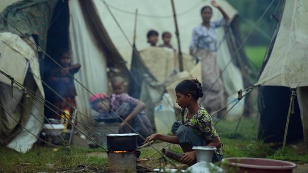 Burmas Regierung in der Falle