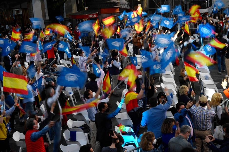 Freude bei der Partei der konservativen Regionalpräsidentin Isabel Díaz Ayuso