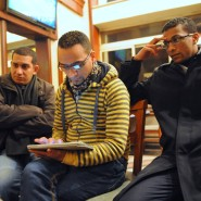Virtuell ist die Hoffnung: Safwan Muhammad mit seinem Ipad