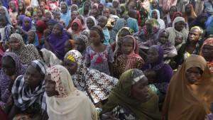 Eine Million Kinder am Schulbesuch gehindert