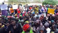 Nigerianische Armee befreit 300 Frauen und Mädchen