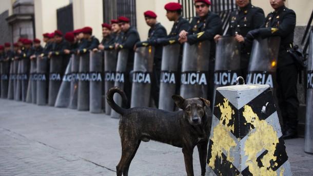 Peru räumt Existenz von Todesschwadronen ein