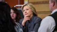 Clinton muss abermals vor Untersuchungsausschuss aussagen