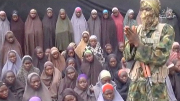 Boko Haram zeigt Chibok-Mädchen
