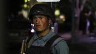 Bewaffnete stürmen Hotel in Kabul