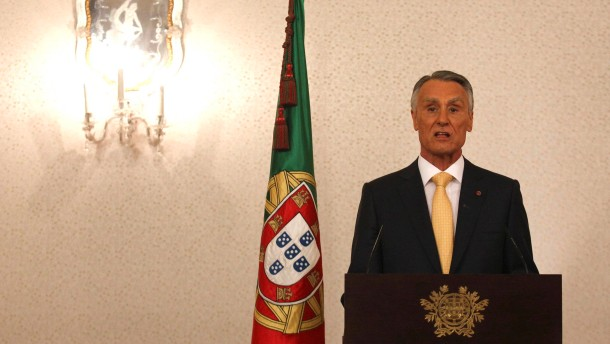 Präsident lässt Regierung trotz Krise im Amt