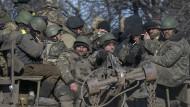 Ukrainische Truppen ziehen sich am Mittwoch aus Debalzewe zurück.