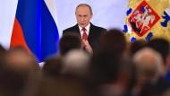 Putin gehen die Feinde aus