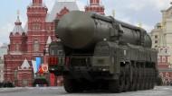 Nato richtet direkten Draht zum russischen Militär ein