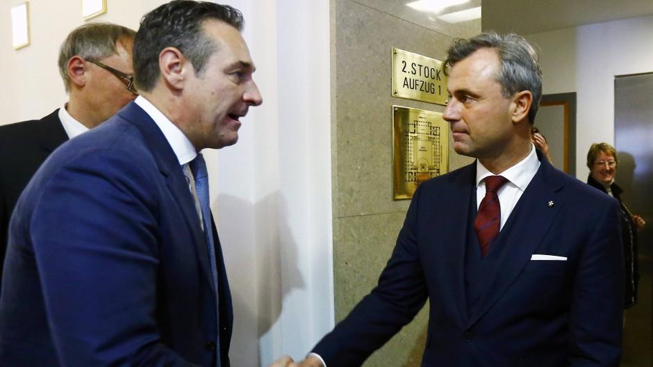 Heinz-Christian Strache und Norbert Hofer könnten bald Konkurrenten um die Führung der FPÖ werden.