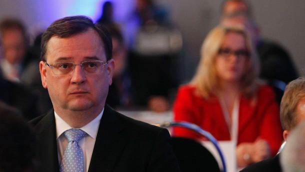 Präsident Zeman legt Nečas den Rücktritt nahe