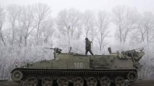 Separatisten fordern gleichzeitigen Abzug schwerer Waffen