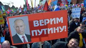 Merkel: Putin muss OSZE-Mitarbeiter freilassen
