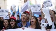 Zehntausende Italiener demonstrieren gegen Renzi